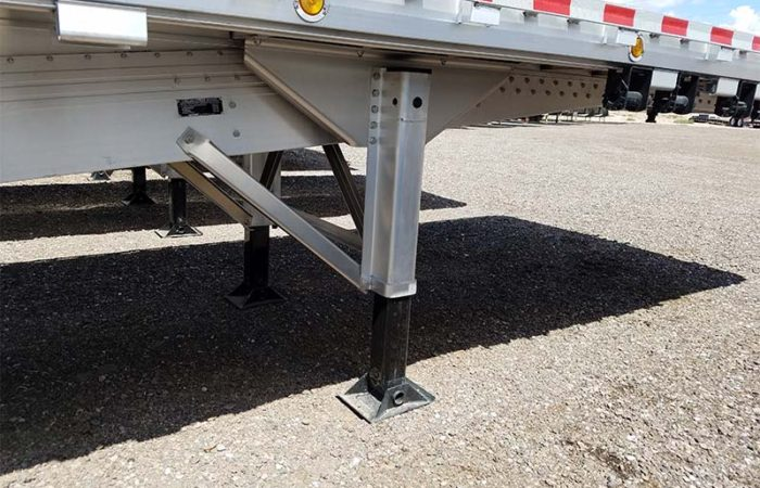 Reitnouer flatbed landing gear