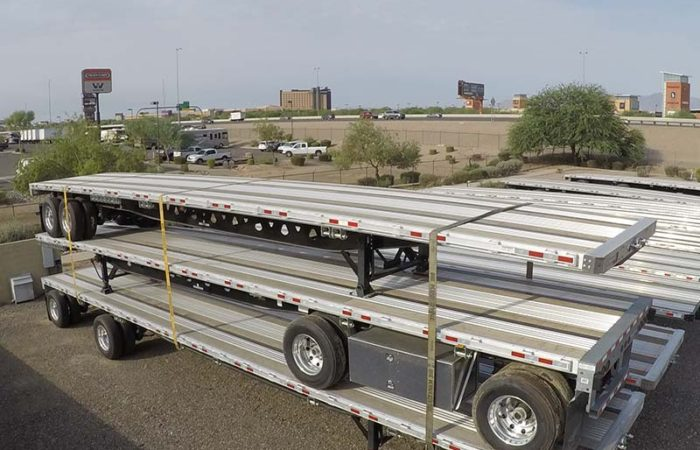 closed tandem axle flatbed