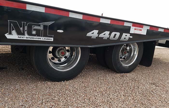 Landoll 440 Traveling Axle Trailer