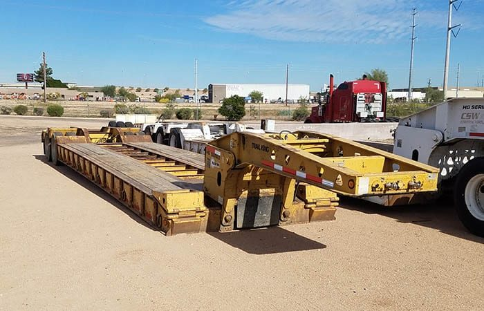 Trail King TK70HDG lowboy